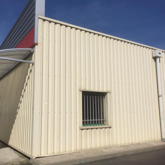 Entrepôt à louer - 100.0 m2 - 45 - Loiret