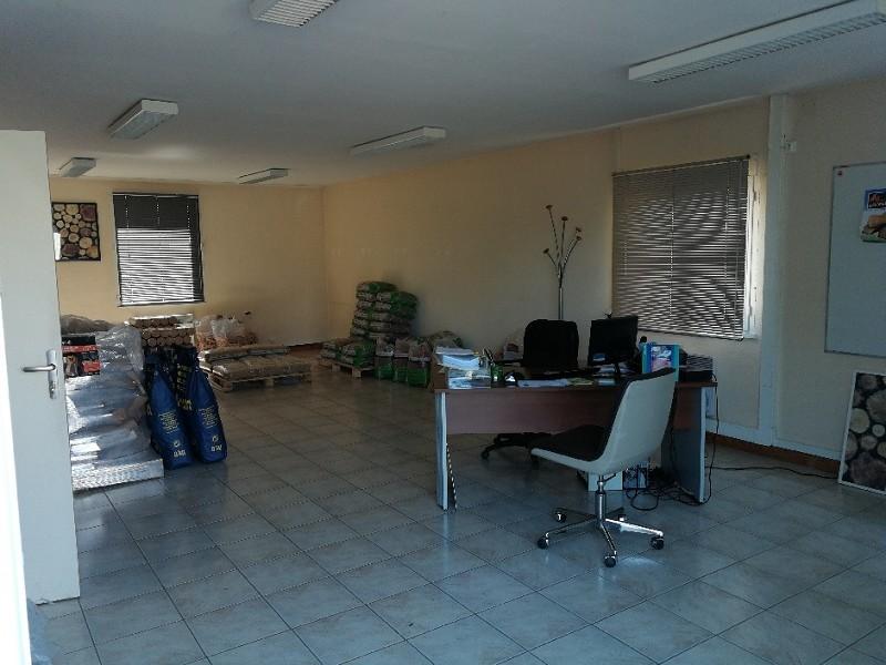 Local d'activité à louer - 92.0 m2 - 45 - Loiret