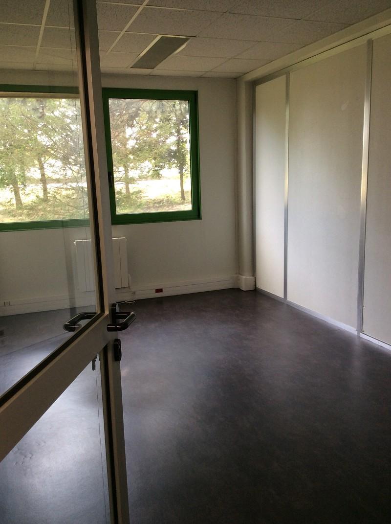 Bureaux à louer - 423.0 m2 - 45 - Loiret