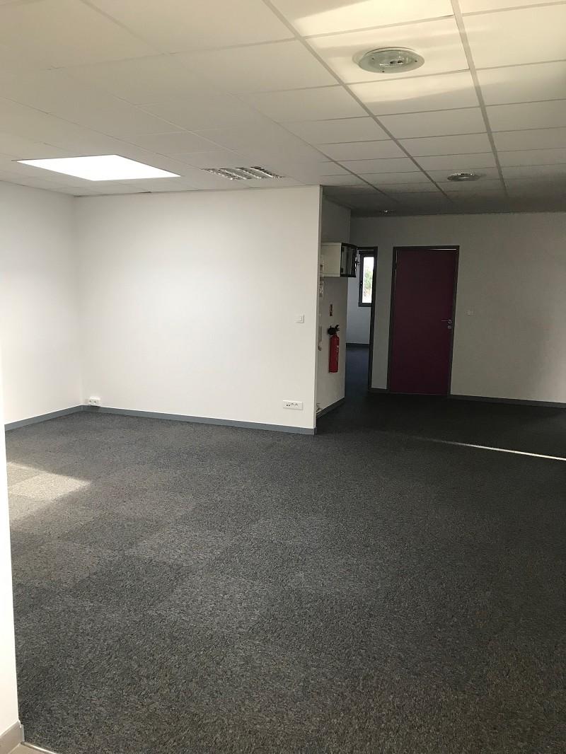 Bureaux à louer - 143.0 m2 - 45 - Loiret